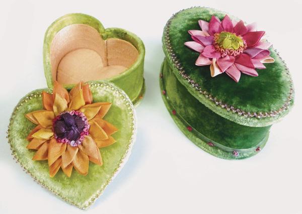 Tiny Heart and Tiny Oval Box Cardoard, Instructions with Pattern or Kit